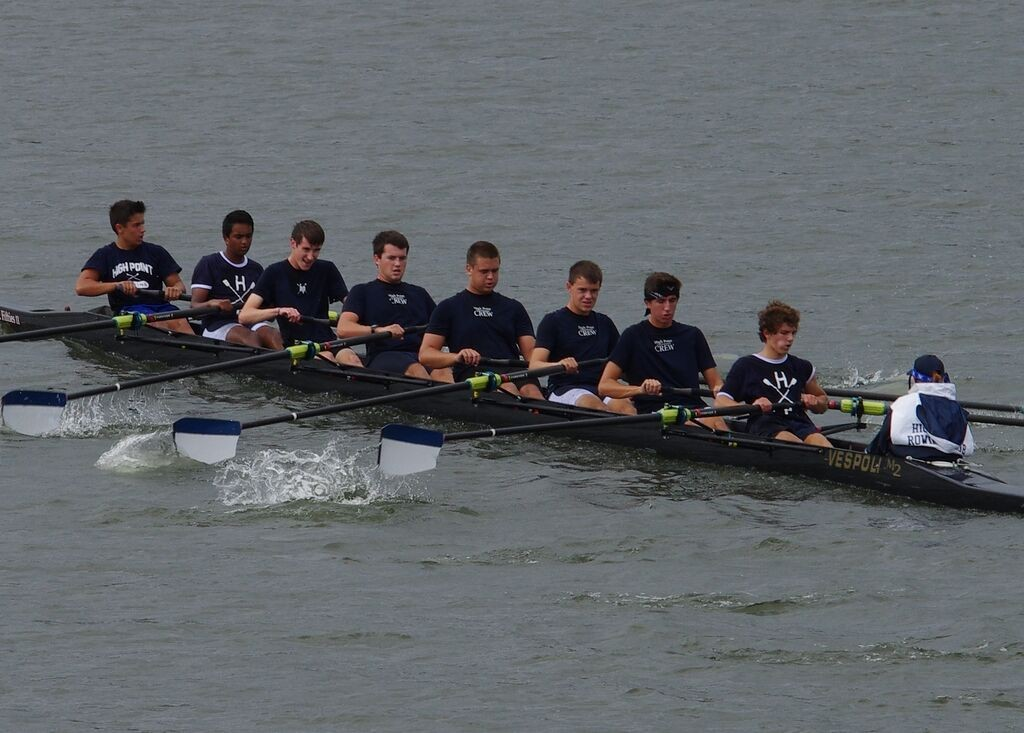 The High Point boys' varsity crew will be looking to win its first title on Saturday at the 2015 High Point Autumn Rowing Festival. The crew finished 3rd in 2014 after receiving a 1 minute penalty for missing a buoy race course marker.